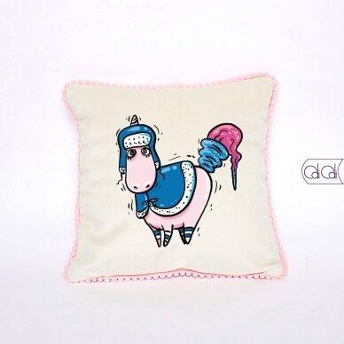 """Dekoratyvinė pagalvėlė """"Šalta žiema"""""""