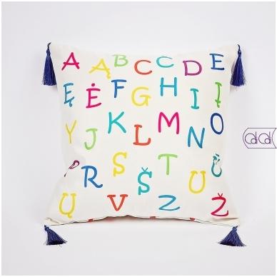 """Dekoratyvinė pagalvėlė """"Monstriukas Gigi"""" 2"""