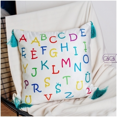 """Dekoratyvinė pagalvėlė """"Monstriukas Lialia"""" 3"""