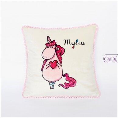 """Dekoratyvinė pagalvėlė """"Myliu"""""""