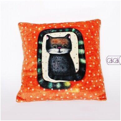 """Dekoratyvinė pagalvėlė """"Katinas ilgauodegis"""""""