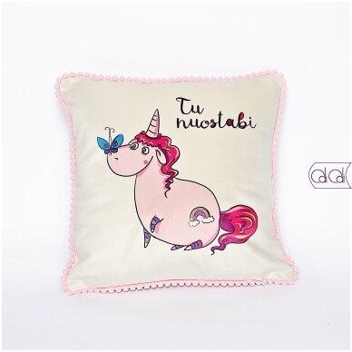 """Dekoratyvinė pagalvėlė """"Tu nuostabi"""""""