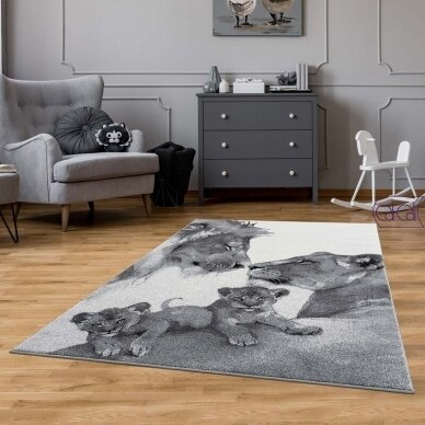 """Stačiakampis kilimas vaikų kambariui """"Liūtų šeima"""" 2"""
